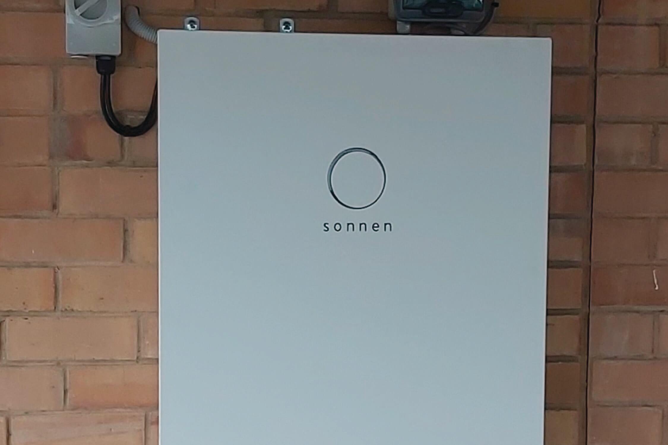 Go Green with Solar+ sonnenBatterie